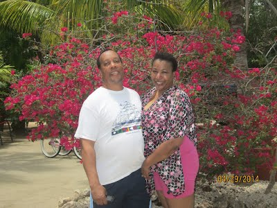 Elliott Hall and Gina Hall @ the Butterfly Farm in Oranjestad, Aruba